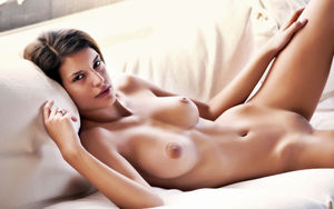beautiful naked girls pictures