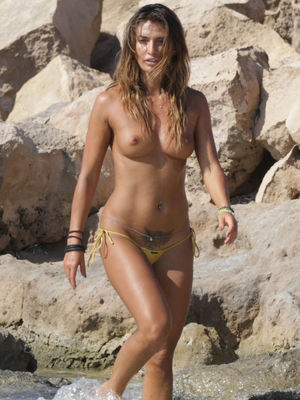 celebs nudist photos
