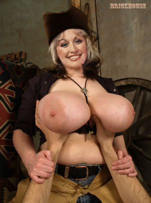 dolly parton fake nudes