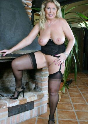 Hot amateur Mom so hot for you