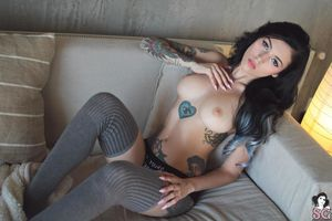 suicide girl sexy