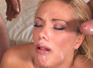 blondie bee cumshot