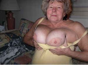 hairy mature grannys