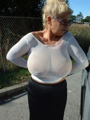 flashing big boobs in public